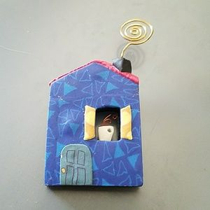 Adorable vintage house pin EUC